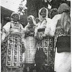 Serbian traditional costume from Gnjilane , Kosovo (Southern Serbia )