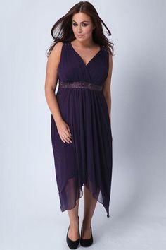on adore le drap et le joli dcollet de cette robe de soire grande taille - Robe Habille Pour Mariage Grande Taille