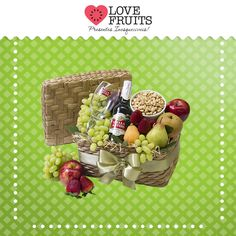 #SweetJewls Delicado porta-joias de taboa abriga diversas frutas deliciosas, um pote de Ramekin e para completar uma cerveja Stella Artois com uma taça.   DÊ FRUTAS AO INVÉS DE FLORES E SURPREENDA!!! Presentes surpreendentes: http://www.lovefruits.com.br/  #PresentesInesqueciveis #BuqueDeFrutas #PresentesOriginais #PresentesSaudaveis #QualidadeDeVida #PresentesSurpreendentes #LOVEFRUITS