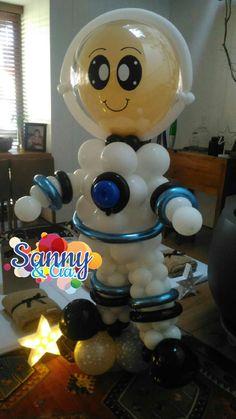 Astronauta de baloes 2nd Birthday Party Themes, Party Themes For Boys, Baby Birthday, Space Party, Space Theme, Moon Party, Large Balloons, Balloon Columns, Balloon Animals