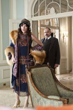 Lucy Danziger (played by Paz de la Huerta) in Boardwalk Empire, robe à fleurs taille basse