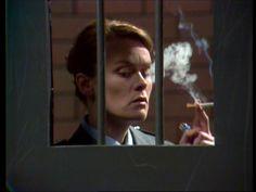 Vera Bennett (Fiona Spence) i Kvinnofängelset.