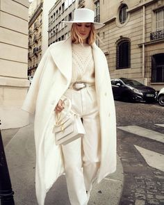 Find images and videos about fashion, style and vintage on We Heart It - the app to get lost in what you love. All White Outfit, Outfit Of The Day, Fashion Week, Winter Fashion, Paris Fashion, Fashion Fashion, Fashion Ideas, Fashion Beauty, Fashion Tips