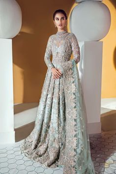 Suffuse by Sana Yasir Bridal and Wedding Dresses with Prices Suffuse by Sana Yasir Embellished Wedding Dress for Pakistani Weddings Source by ankianushree Asian Bridal Dresses, Latest Bridal Dresses, Pakistani Wedding Outfits, Indian Bridal Outfits, Pakistani Bridal Dresses, Pakistani Wedding Dresses, Indian Dresses, Bride Dresses, Bridal Gowns