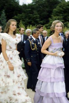Infanta Elena, Duchess of Lugo, walking alongside her mother, Queen Sofia of Spain, circa . Queen Sophia, Spanish Royalty, Wearing Purple, Estilo Real, Spanish Royal Family, Royal Queen, Casa Real, Queen Dress, Princesa Diana