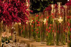 Decoração de casamento pink - mix de clássico com moderno - arranjos de tulipas ( Flores: André Pedrotti | Foto: Helson Gomes )