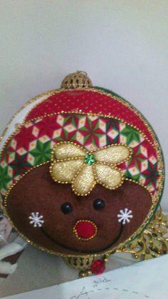Yoyo Fabric Christmas Ornaments, Homemade Christmas Decorations, Felt Decorations, Felt Ornaments, Christmas Balls, Christmas Crafts, Xmas, Holiday Decor, Gingerbread