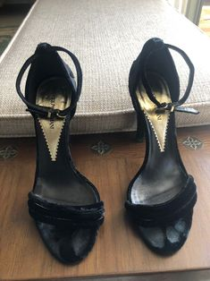 High Heels Stilettos, Stiletto Heels, Shoes Heels, Black Pumps, Pantyhose Heels, Beautiful Toes, Sexy Sandals, Sexy Legs And Heels, Women's Feet
