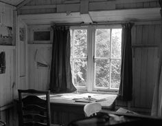 """Dylan Thomas, Welsh poet and writer, was born on this day in 📷Dylan Thomas' writing shed by Geoff Charles. Dylan Thomas, Anthony Hopkins, Erich Fried, History Of Wales, Writer, Room, Boat House, Vintage Photographs, Blanco Y Negro"