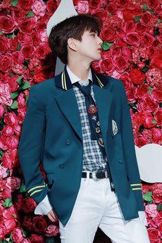 Boy Celebrities, Celebs, Kim Young, Hyun Jae, Chang Min, Boy Idols, Pop Singers, Japan Fashion, Kpop Boy
