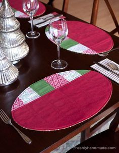 Freshly Handmade: Oval Holiday Place Mats