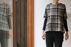 ADORE THIS hack of Merchant and Mills top 64 hack, in plaid with raglan sleeves. Such a bummer that it's a hack... Will have to figure it out :)
