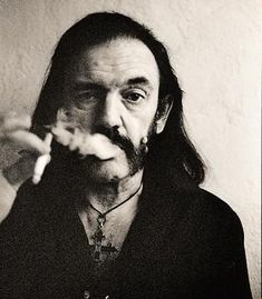 Un tributo a Lemmy Kilmister - Taringa!