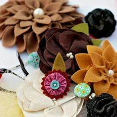 Gooood morning! Need a surprise in your life to shake things up? How about a grab bag of hair pretties?!! Each bag comes with 12 hair accessories that are adorable!  Can't wait to see what YOU  get! Click on the link in our profile for product details and