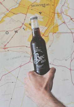 City guide Montréal: Rendez-vous au café Larue & Fils avec Olivier, co-fondateur de Bec Cola, le 1er soda Québécois et bio, qui nous parle de ses valeurs et de son Montréal. St Lawrence, Guide, Packaging, Illustrations, Drinks, Bottle, Sodas, Olive Tree, Sons