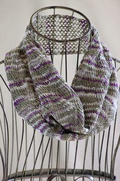 Zigzag Ribbon Stitch Cowl By Gretchen Tracy - Free Knitted Pattern - (ballstothewallsknits)