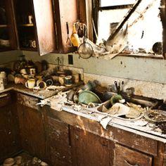 35 best Horrible/Filthy Bathrooms & Kitchens images on Pinterest ...