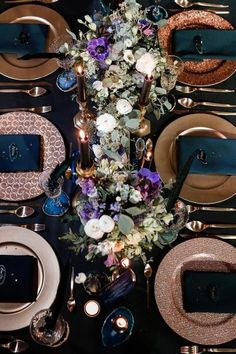 Hochzeitsdeko Boho Noble table decoration in the colors gold, copper, petrol and purple. Reception Table Decorations, Decoration Table, Wedding Decorations, Wedding Themes, Party Themes, Enchanted Forest Decorations, Galaxy Wedding, Pakistan Wedding, Table Setting Inspiration