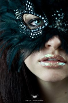 Masks, Why not include one with your Tadashi dress for a New Year Ball?  #Giftoftadashishoji