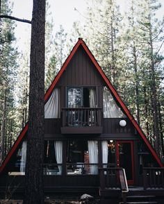 The coziest A-frame cabin Tiny House Cabin, Cabin Homes, Log Homes, Tiny Houses, Cabins In The Woods, House In The Woods, Ideas Cabaña, House Color Schemes, A Frame House