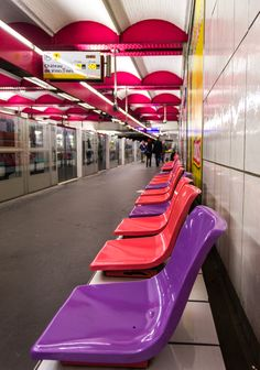 Finding patterns and bright colors on the Paris metro. #PhotographyTips