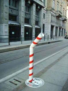 This makes you thirsty! Guerrilla Marketing http://www.extramoeniart.it/il-futurista/guerrilla-dall-arte-al-marketing