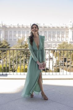 Dresses To Wear To A Wedding, Bridesmaid Dresses, Dress Outfits, Fashion Dresses, Fiesta Outfit, Fashion Corner, Looks Chic, Fasion, Evening Dresses