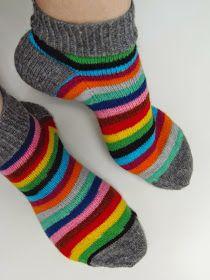 Knitting Socks, Hand Knitting, Knitting Patterns, Knit Socks, Knitting Projects, Crochet Projects, Knit Pillow, Short Socks, Striped Socks
