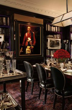 A beautiful modern deco-meets-traditional tablescape from Ralph Lauren Home. A dinner party fit for royalty.