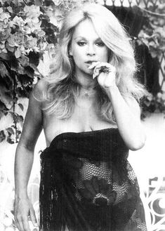 Monica Bellucci, Female Celebrities, Hollywood Glamour, Vintage Photographs, Vip, Greek, Cinema, Actresses, Stars