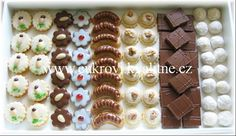 Christmas Baking, Christmas Cookies, Waffles, Sweet Tooth, Food And Drink, Breakfast, Recipes, Cakes, Xmas Cookies