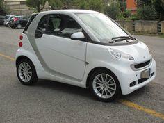 Smart forTwo 1000 52 kW MHD coupé passion Offerta Finanziamento euro 5990 Chilometraggio: 62.000 km  Anno: 02/2012  Potenza: 52 kW (71 CV) Descrizione del veicolo dell'offerente Smart Passion.....In Perfette Condizioni Tagliando Fatto Mercedes.... Offerta valida esclusivamente con apertura finanziamento: ESEMPIO -500 -5500 finanziamento Primaria banca ... 60-72 mesi .....  trattative in sede.. #BrokerCar #smart #autousate #automotive #car #cars #instagramcars #motors