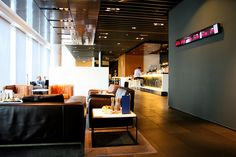 Lufthansa First Class Lounge - Frankfurt by TravelingOtter, via Flickr