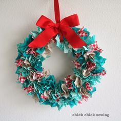 Christmas fabric rag wreath tutorial