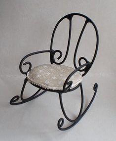 mi pequeña evasión: forja Iron Furniture, Unique Furniture, Home Decor Furniture, Wrought Iron Chairs, Wrought Iron Decor, Swinging Chair, Rocking Chair, Miniature Furniture, Dollhouse Furniture