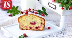 Tarun kauniissa syyskakussa puolukan happamuus ja taikinan makeus yhdistyvät täydellisesti. Yummy Cakes, French Toast, Cupcakes, Candy, Chocolate, Baking, Breakfast, Sweet, Christmas