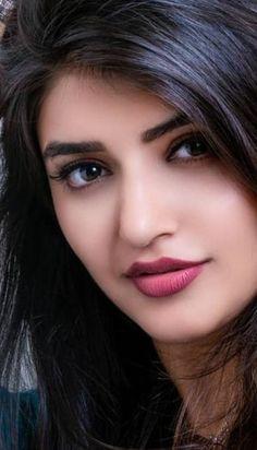 Beautiful Girl In India, Most Beautiful Faces, Beautiful Lips, Beautiful Girl Image, Beautiful Indian Actress, Gorgeous Women, Cute Girl Hd Wallpaper, Beauty Full Girl, Real Beauty