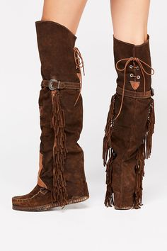 During the knee footwear, check the latest traits and look at our great selection. Boho Boots, Fringe Boots, Cowgirl Boots, Black Knee High Boots Outfit, Over The Knee Boots, Fashion Boots, Boho Fashion, Womens Fashion, Fashion Fall