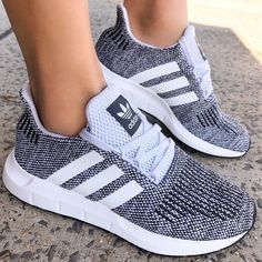 newest b1bdc c5980 Gorgeous shoes perfect for the gym. Womens Addidas Shoes, Addidas Shoes  Running, Cute