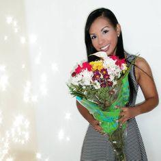 Hoy agradecida con mi amigo Jimmy Borona por regalarme estas hermosas flores en agradecimiento a todas las cosas que hemos hecho por el.  A veces pequeñas cosas te pueden alegrar la vida ya sea una sonrisa un abrazo o inclusive una rosa.  Feliz Jueves. #panama #flowers