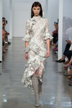 Zimmermann Spring 2017 Ready-to-wear collection Australia designer new york fashion week collection style runway Stranded Embroidery Dress, Lace Up Long Boot Catwalk Fashion, Fashion 2017, New York Fashion, Couture Fashion, Spring Fashion, High Fashion, Ralph & Russo, Mode Costume, New Shape