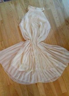 Kup mój przedmiot na #vintedpl http://www.vinted.pl/damska-odziez/dlugie-sukienki/15979784-zwiewna-plisowana-sukienka-ecru