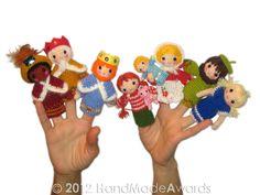 Ravelry: Christmas Nativity Finger Puppets Crochet pattern by Loly Fuertes Crochet Crafts, Crochet Dolls, Crochet Projects, Finger Puppet Patterns, Cute Aprons, Hand Puppets, Christmas Nativity, Digital Pattern, Crochet For Kids