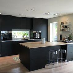 all wood kitchen Kitchen Decor, Kitchen Inspirations, Interior Design Kitchen, Home Decor Kitchen, Kitchen Dining Living, Modern Kitchen, Kitchen Remodel, Kitchen Renovation, Contemporary Kitchen