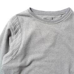 sweatshirt. Summer Outfits, Cute Outfits, Corporate Fashion, Tee Design, Mens Sweatshirts, Branded T Shirts, Fashion Prints, Lounge Wear, Casual