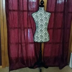 SOLD LOCALLY---DECORATIVE MANNEQUINE STAND SOLDThis is a decorative 57 inch tall stand. It is easy to assemble and is light weight. Makes a nice decorative display for hanging hats, coats jewelry, etc. New only used 1 time for displaying clothes. It is just taking up too much space in my small bedroom. Paid  $107.00. Offers welcome. Hudson 43 Other