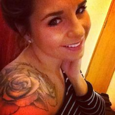 I think I'm in love with rose tattoos on shoulders.? :)