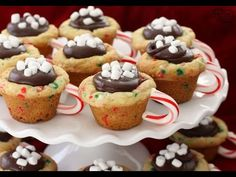 ¿Qué sería la Navidad sin la mesa navideña, sin los pasteles y las galletas tradicionales?Las recetas de galletas de Navidad que te proponemos hoy seguramente despertaránel espíritu navideño en tu hogar. Elige entre galletas de poco azúcar, pan de jengibre, galletas de mantequilla, de mazapán y ron, mini-tartas veg...
