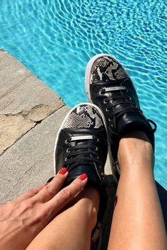 Everyly sneaker  Black I Sorte Stylesnob sneakers med slangeskind