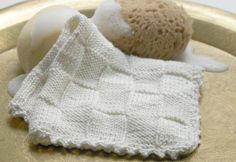 Knitted dishcloths with diamond pattern Dishcloth Knitting Patterns, Knit Dishcloth, Knit Patterns, Homemade Potholders, Bamboo Knitting Needles, Drops Design, Knitting For Beginners, Diamond Pattern, Washing Clothes